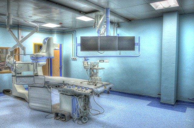 las funciones de un auxiliar-de-enfermeria
